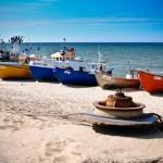 Kutry rybackie na plaży w Chłopach